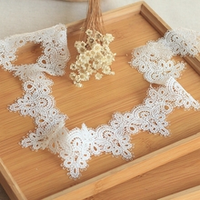 2Yaed/Lot Off-White High Quality Lace Trim Delicate Floral Ribbon Venise Fabric For Costumes