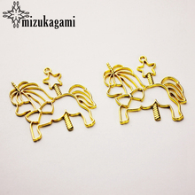 20pcs/lot UV Resin Zinc Alloy Metal Frame Pendant Gold Carousel Charm Bezel Setting Cabochon