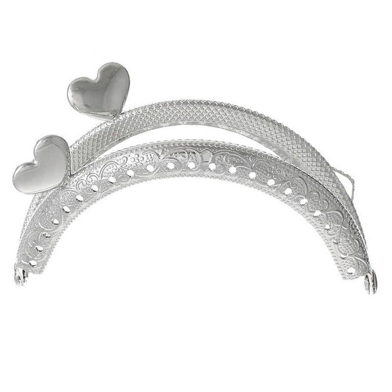 FGGS-1PC Metal Frame Kiss Clasp Arch For Purse Bag Silver Tone Heart Pattern fggs 1pc metal purse bag frame kiss clasp lock silver tone size 16 5x9 5cm