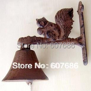 2 Pieces Rustic Cast Iron Squirrel Welcome Dinner Country Bell Rural Hanging Wall Mounted Bell Outdoor Metal Decor Free shipping