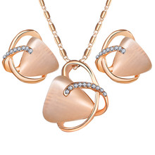 Fashion Geometric Crystal Charm Jewelry Set Bridal Jewelry Pendant Necklace Set For Women Stud Earrings Wedding Party Gifts wedding bridal pearl jewelry set women fashion crystal leaf pendant necklace earrings set
