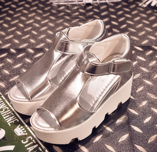 Summer new European American fashion fish mouth peep-toe with sponge thick bottom flat with female sandals casual silver shoes  han edition diamond thick bottom female sandals 2017 new summer peep toe fashion sandals prevent slippery outside wear female