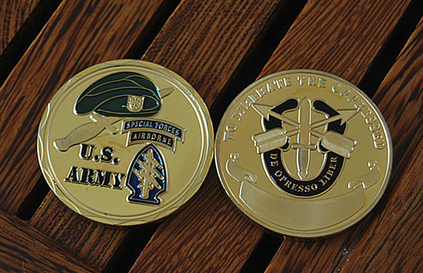 United States Army Special Forces Beret Challenge coin (15) - _
