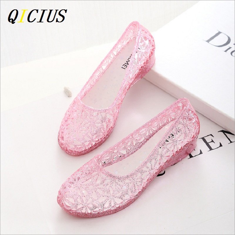 QICIUS Casual Women Jelly Shoes Flat With Heel Solid Beach Sandals Women Shoes Summer 2017 Female Sandals Candy Colors B0003 free shipping candy color jelly sandals new plastic chain beach shoes chain flat bottomed out sandals lace up chains women shoes