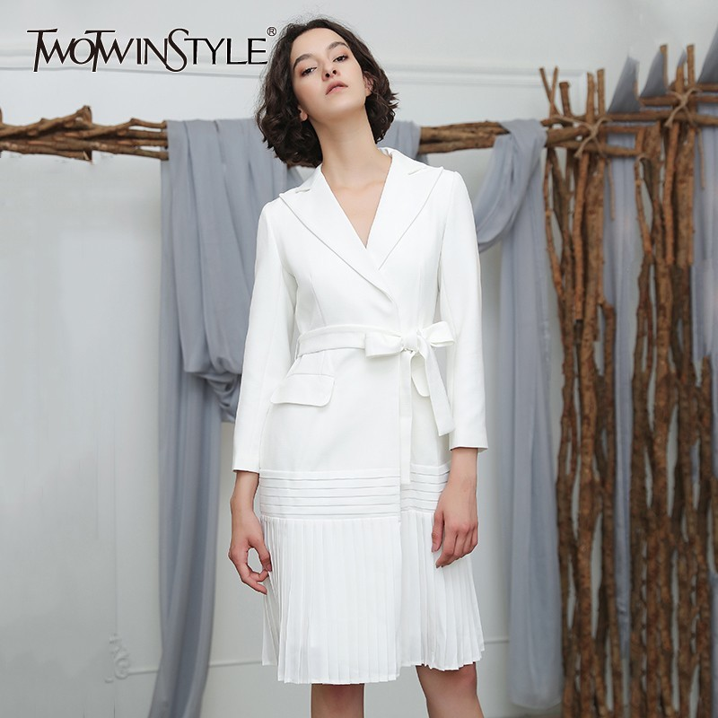 TWOTWINSTYLE Autumn Women's Windbreaker Lapel Long Sleeve Bandage Slim Hem Pleated   Trench   Female Coat Fashion Clothing New 2018