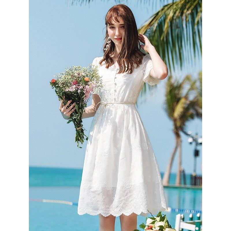 Était mince robe d'été 2019 nouveau Style marque femmes fleurs brodé tempérament dame un mot dentelle robe 63260