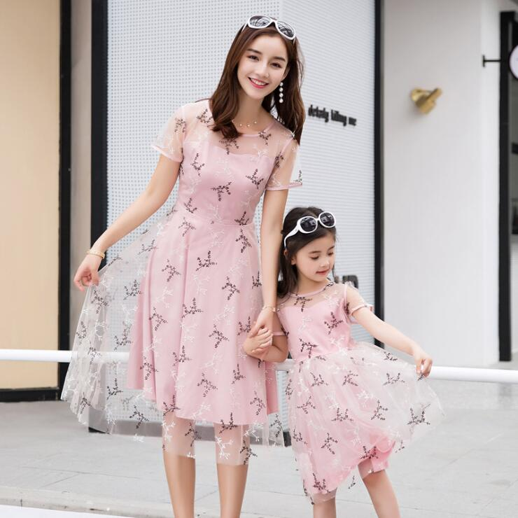 Mother and daughter princess dresses family matching clothes floral pattern pink white party wedding clothes children dress