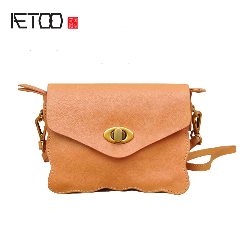 AETOO New mini female bag head layer cute little messenger bag sweet lady wave edge leather phone bag the little old lady in saint tropez