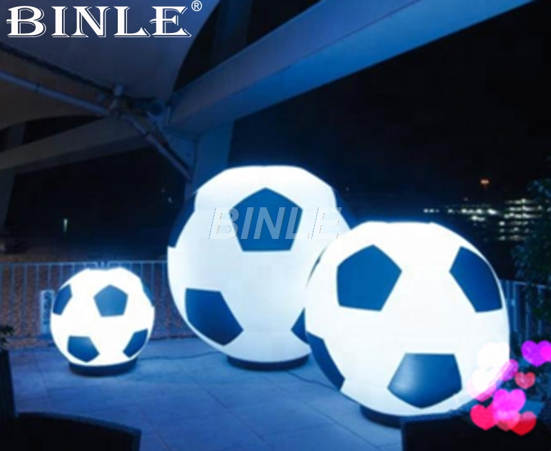 Hot sale giant outdoor inflatable football with led lighting soccer large inflatable globe for sports events