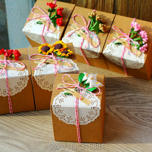 Retro Paper Gift Box With Paper Shred Filler And Flowerwedding Gift