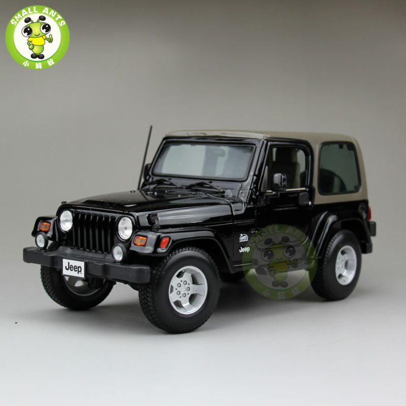 1:18 Scale Jeep Wrangler Sahara Diecast Car Suv Model Maisto 31662 Black&Gray maisto jeep wrangler rubicon fire engine 1 18 scale alloy model metal diecast car toys high quality collection kids toys gift