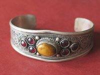 Excelente Tibetano de prata artesanais artesanato pulseira de Punho