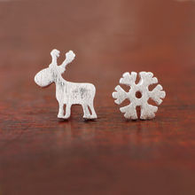 Silver plated Unsymmetrical Earrings For Women Christmas Style Snowflake Deer Stud Earrings Girl Fashion Jewelry Gift E5164a