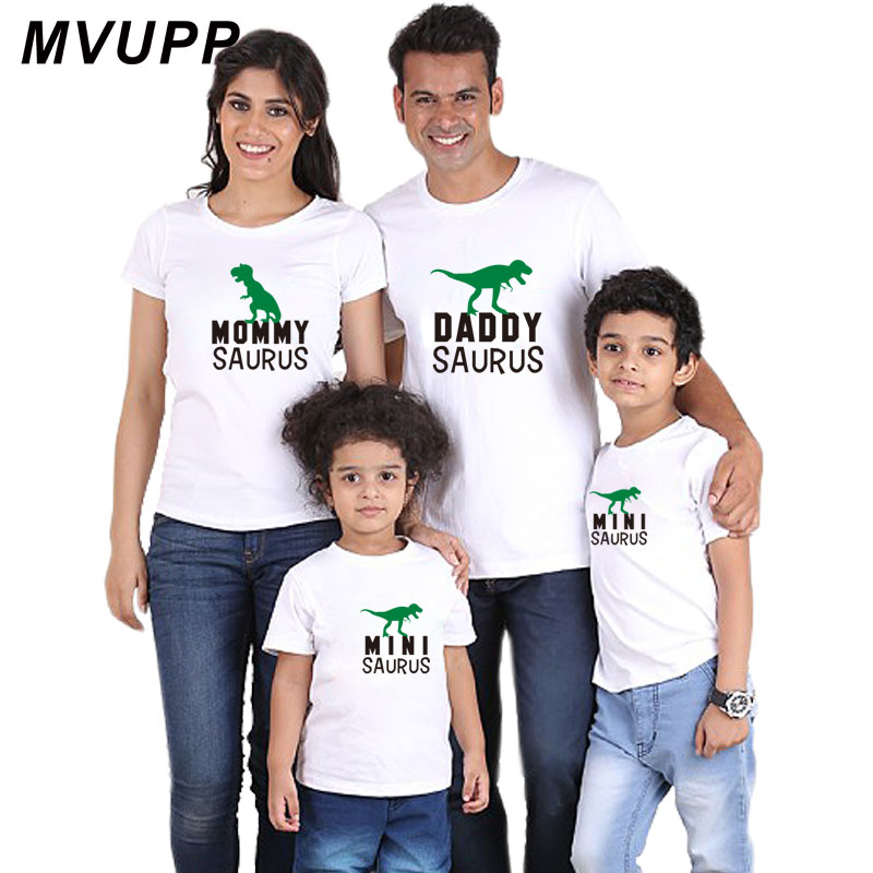 HTB1dV9WaifrK1RjSspbq6A4pFXau father mother son daughter family matching clothes look outfits clothing t shirt mom mum daddy mommy and me baby girl mama dress