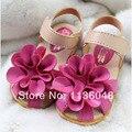 Envío gratis 2016 Summer cuero de la PU de la flor niñas niños calzados chanclas zapatillas primero caminantes