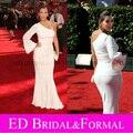 Ким кардашян вечернее платье на эмми 2009 красной ковровой дорожке одно плечо с длинным рукавом белый русалка выпускного вечера