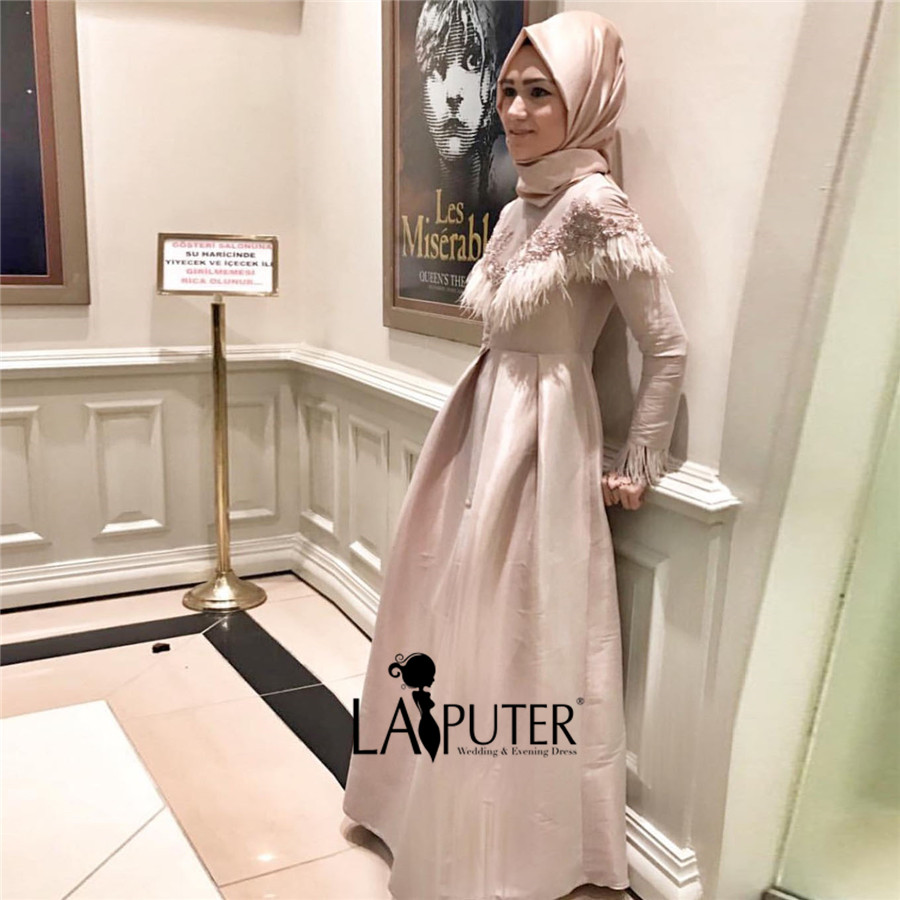 Fantastisch Parteikleider Für Frauen über 50 Bilder - Brautkleider ...