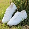 Nuevo 2016 de primavera y verano zapatos de lona de las mujeres zapatos casuales de la moda mujeres de la marca zapatos planos zapatos blancos femeninos
