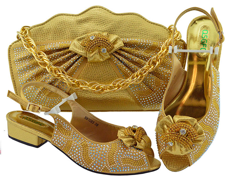 Gold Color African Women Shoes and Bag Set Decorated with Rhinestone Italian Shoes with Matching Bag Set Italy MM1083Gold Color African Women Shoes and Bag Set Decorated with Rhinestone Italian Shoes with Matching Bag Set Italy MM1083