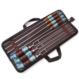 Image 3 - 7 قطع/مجموعة من الفولاذ المقاوم للصدأ لسيخ الشواء والشواية والشوايات مقبض خشبي للاستخدام في المطبخ عصا إبرة للاستخدام الخارجي حقيبة مجانية