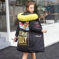 שיק סגנון מעיילי החורף של נשים בתוספת גודל M/XXL הארוך Jakcets Down מעצב מודפס מכתב קריקטורה נוצה צהובה מעילים עם ברדס