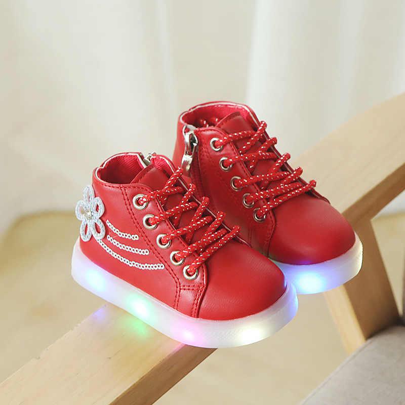 ... Мода для маленьких девочек кроссовки светодиодный освещая Детские  теннисные патч детские сапоги Высокое качество сверкающих детская ... 75b4a0b2f73