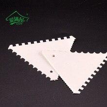 ФОТО amw 2pcs/set plastic triangular cake scraper sugarcraft pastry cutter kitchen tools