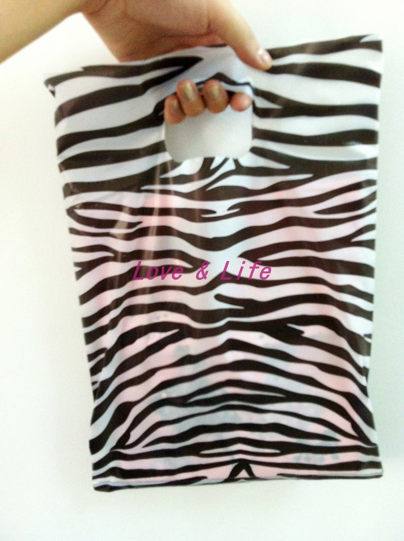 Wholesale 25*35cm Plastic Shopping Bags, Clothes Packing Plastic Bags with Zebra Print Shopping Gift Bags 100pcs Free Shipping