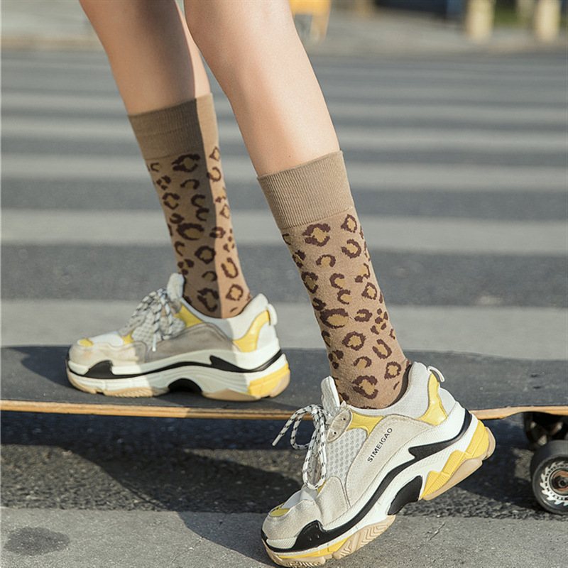 2019 New Women Socks 1 Pair Long Cotton Leopard Color New Fashion Spring Socks Woman Printed Novelty Fashion Lady  Socks