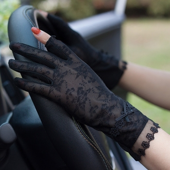 Woman Gloves New Summer Sunscreen Gloves Female Thin Elastic Ice Silk Non-Slip Driving Anti-UV Short Style Sweet Lace FS17 woman gloves summer sunscreen half finger ice silk gloves female lace short style non slip anti uv thin driving semi finger fs07