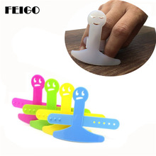 FEIGO 2 Pcs Hand Guard Finger Not Hurt Protector Safe Slice Tool Plastic Hand Protector Guard Kitchen Gadgets Cooking Tools F397 liflicon silicone finger protector hand cut knife cutting finger protection tool for cutting slice chop safe cooking protection