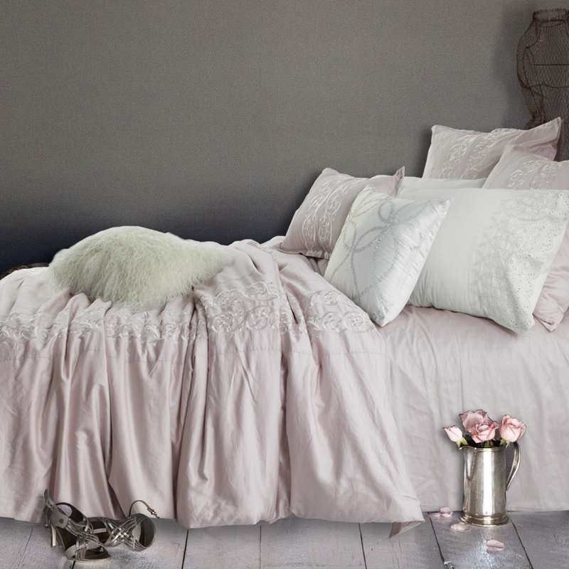 100 Sateen Cotton Bedding Set Pink Plant Embroidered