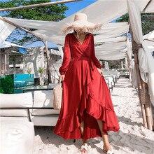 f39625cca3d62 خمر الأحمر الحرير والساتان الصيف شاطئ عطلة فستان طويل 2019 الصيف المرأة  الكشكشة كم طويل V الرقبة عارية الذراعين التفاف فساتين