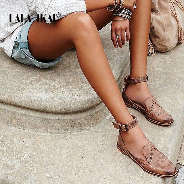 LALA IKAI/обувь с заклепками Для женщин удобная обувь на платформе круглый носок Туфли с ремешком и пряжкой летние Повседневное плоской подошве обувь для девочек 014A0646-3