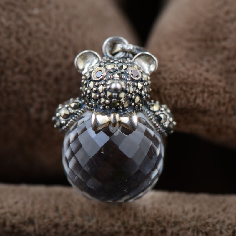 White crystal pendant S925 silver inlaid silver white crystal wholesale antique style female bear