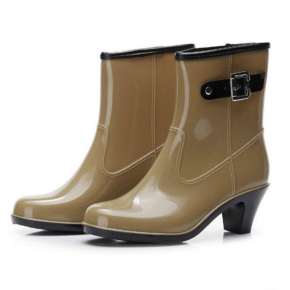 vari colori vasta gamma a stivali da pioggia primavera e