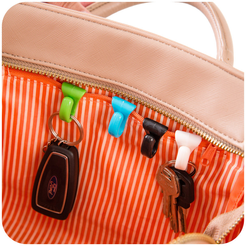 Creative anti lost bag hooks 2 loaded inside the built-key holder, key clip, easy to carry