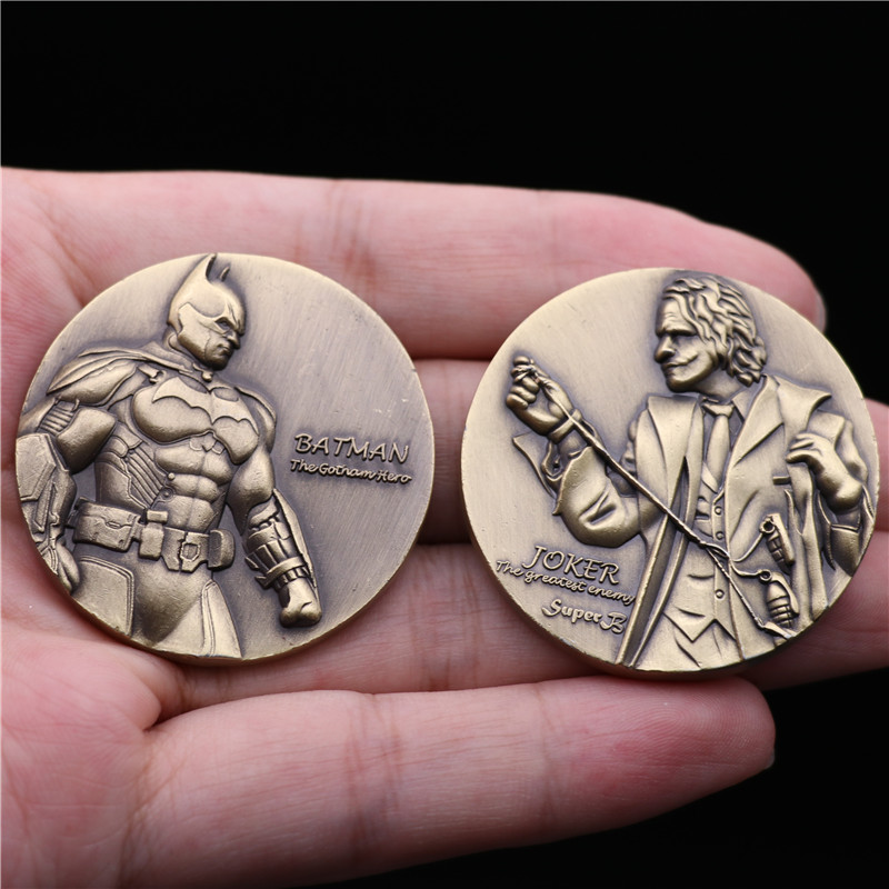Superhero Movie The Dark Knight Batman Joker Collect Coin Commemorative Coins Tossing Cos 3D Badge Christmas Fans Gift 4CM Metal
