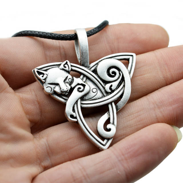 US $1 55 9% OFF|1pcs Men's Large Viking Jewelry Fox Triquetra Fenrir Animal  Teen Wolf Necklace Irish Celtics Knot Pendant Amulet Necklace CT526-in