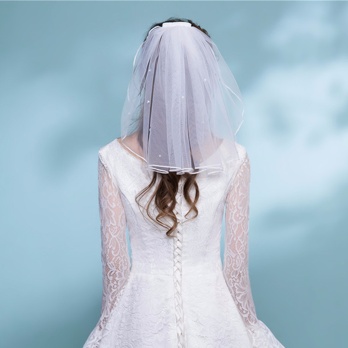 Womens Short Tulle Bridal Veil Wedding Veil With Comb Crystal Ribbon Edge For Bride Flower Girl Wedding Party Photography(White)