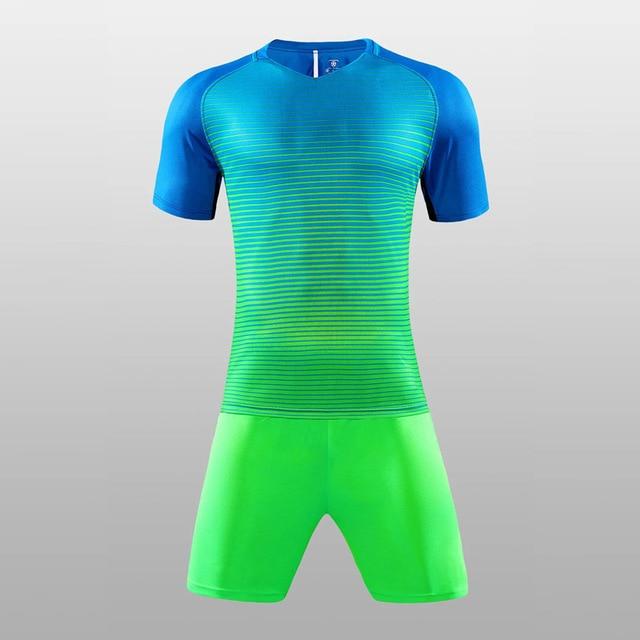 Nuevos hombres chicos Cool colores diseño camisetas de fútbol de manga  corta entrenamiento fútbol conjuntos camiseta 4c5f63f3b5f25
