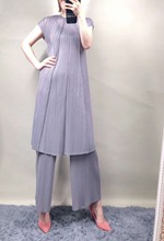 New big brand design sleeve O-neck longth T-shirt + loose wide-legged trousers  pleat series suit 2019 pant suit MIYAKE недорого