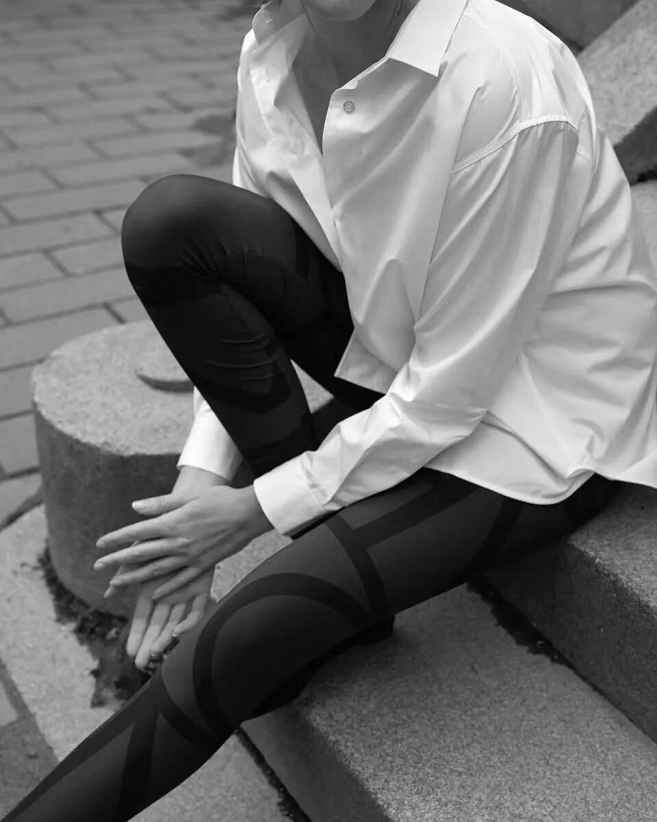 위시리스트 여성용 오버 사이즈 카프리 셔츠 블루 화이트 카모마일 코튼 탑 루즈 피트 커브 드 헴 수 놓은 모노그램 로고-에서블라우스 & 셔츠부터 여성 의류 의  그룹 1