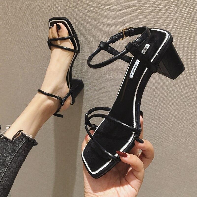 ee486816f02 Romana rojo Sandalias De Zapatos Beige Palabra Alto Con Mujer negro Nueva  Salvaje Cuadrada amarillo Verano ...