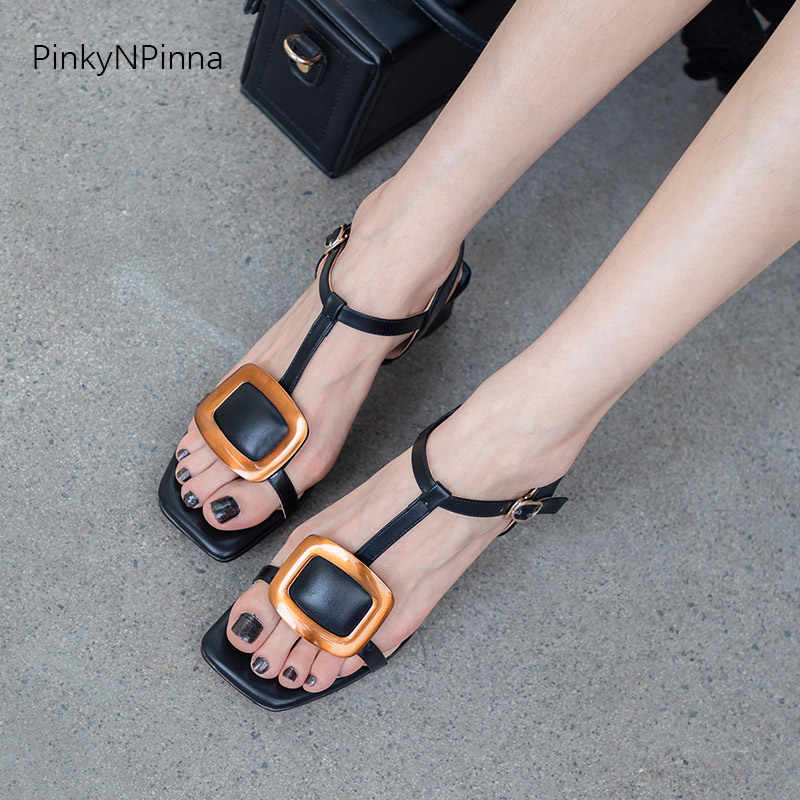 2019 zomer vrouwen fashion sandalen luxe runway vintage metalen gesp T-strap hoof chunk hakken open teen plus size 34-43 schoenen
