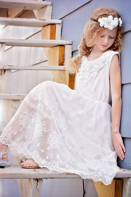 11c6e31bf196 Girls Lace White Maxi Dress Princess Ruffles Western Holiday Party Summer  Dresses Wholesale 6pcs/lot