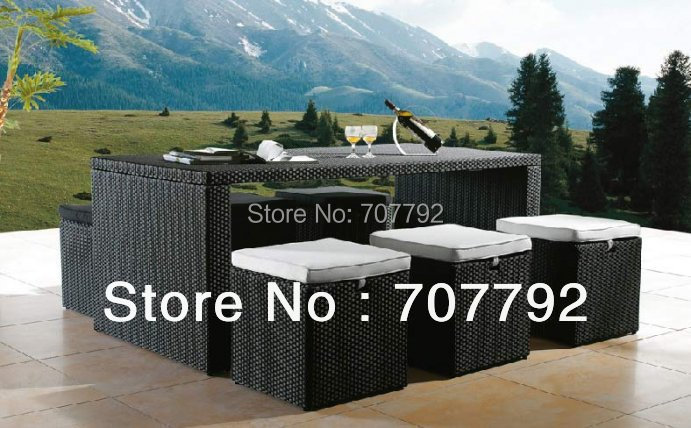2017 New Arrival Outdoor Furniture Rattan Dining Table And Chairs Set