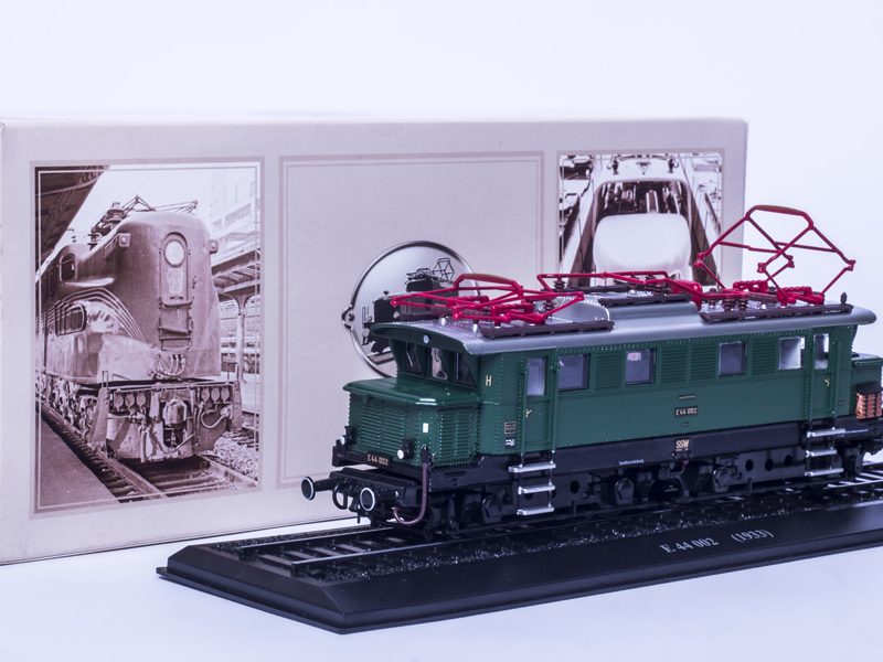 E 44 022 1933 ATLAS EDITIONS COLLECTIONS 1 87 LIMITED EDITION TRAIN Model