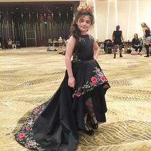 Cute Black Girls Evening Gown Hi-Lo Flower Girl Dress for Weddings Embroidery Satin Long Pageant Dresses for Little Girl FH118