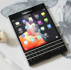 Blackberry Snapdragon 801 Passport Q30 Cell-Phone 32GB 3GB GSM/WCDMA Nfc Qwerty Keyboard